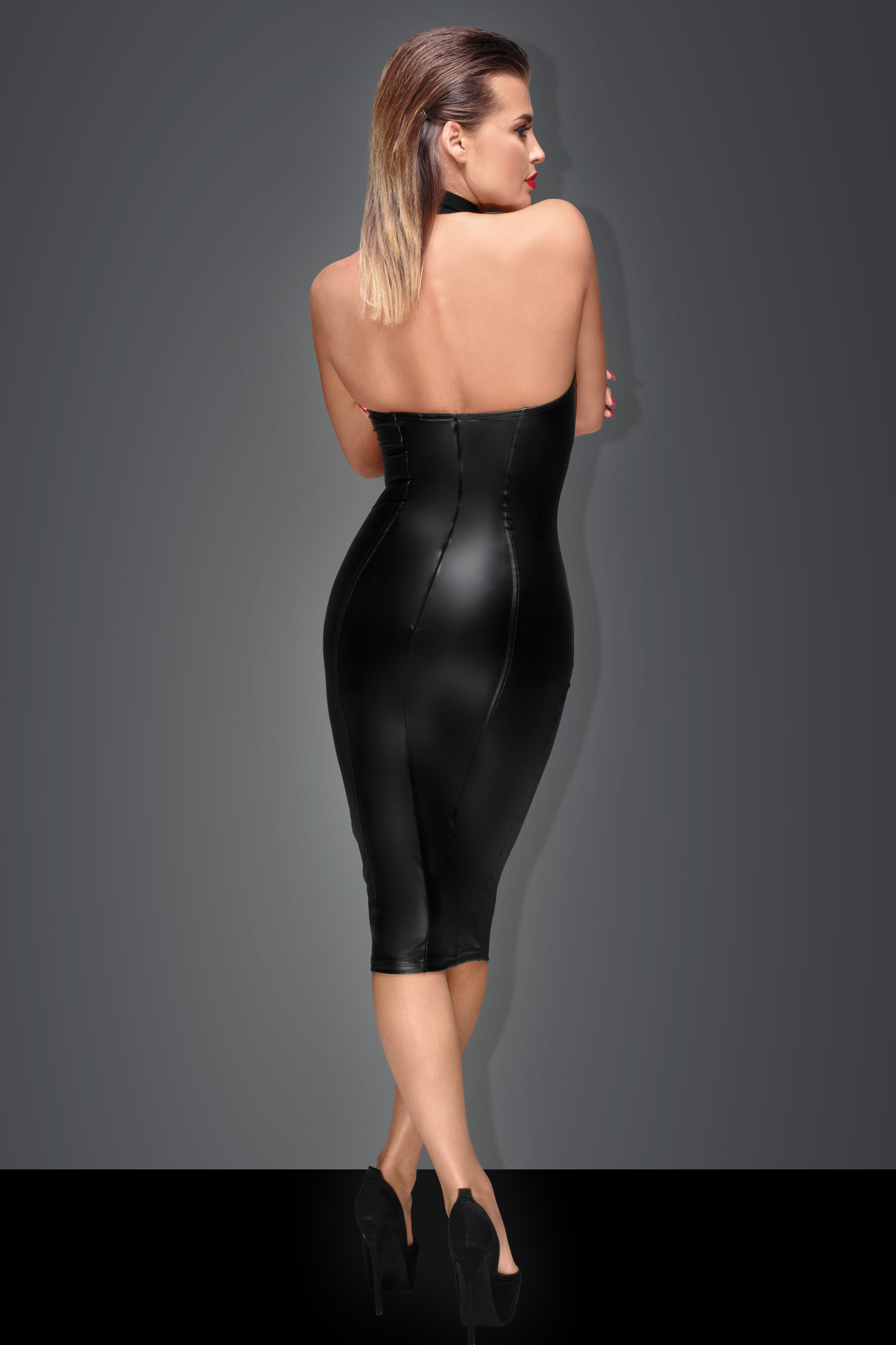 F160 Powerwetlook pencil dress with ring on collar and zipper