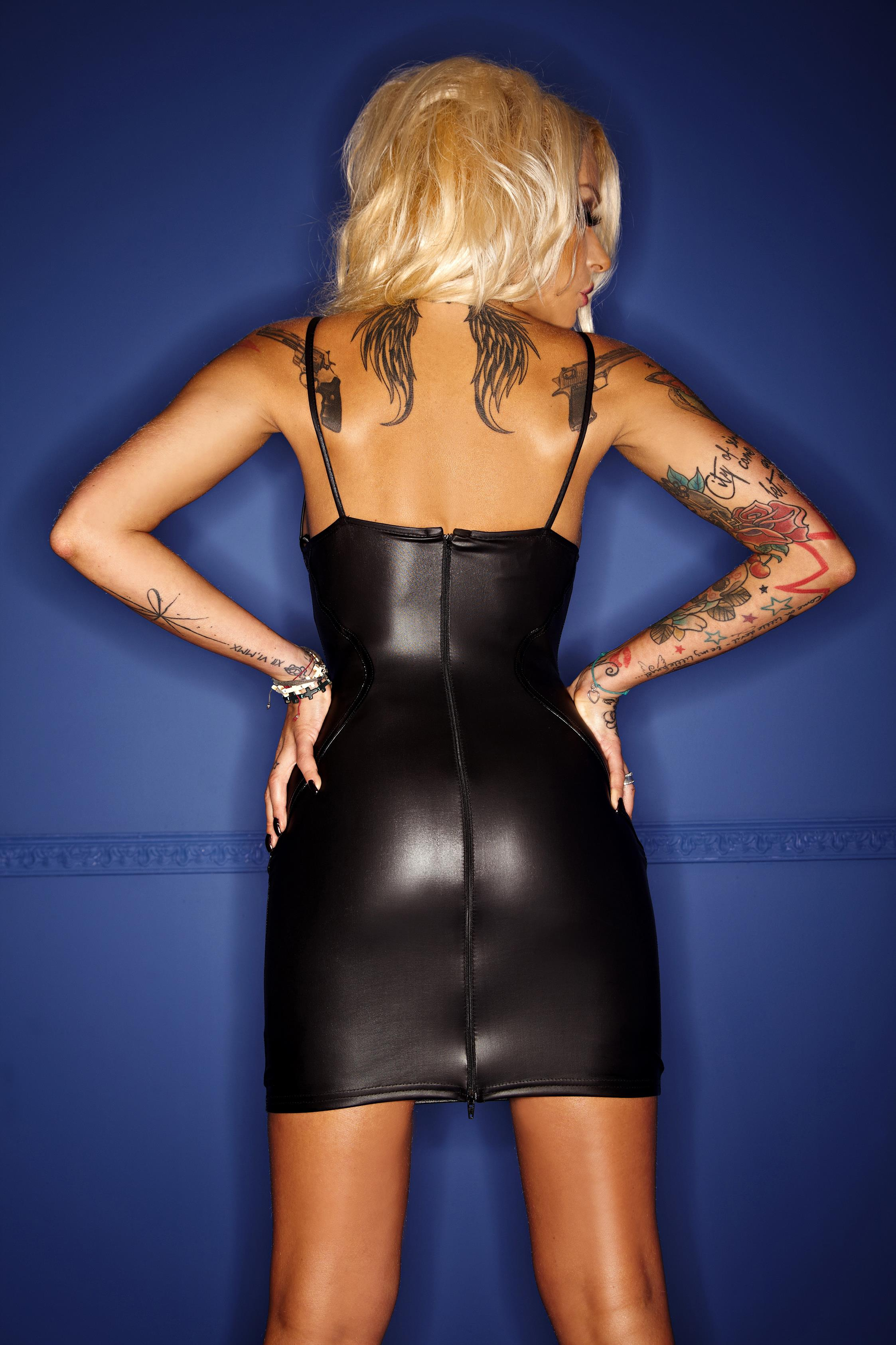 F078 Wetlook Kleid mit Tüll Dekoltee und PVC Applikationen